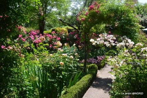 Epouvantails,ouverture,jardin 052.JPG