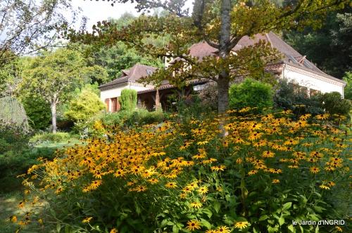 jardin,papillons,anniversaire d'Ines,bricolage 016.JPG
