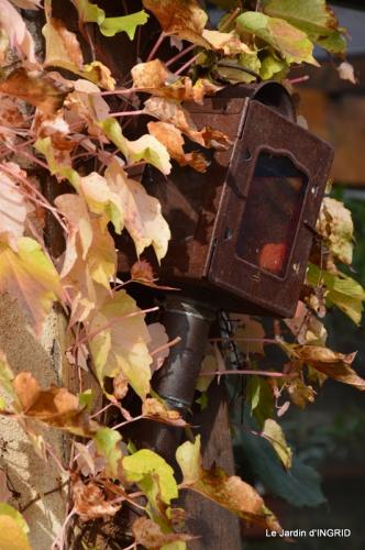 Romefort,bord de Creuse,vent,feuilles,jardin,canal 155.JPG