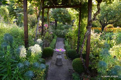 jardin,les filles,fleurs Peyrichou 030.JPG