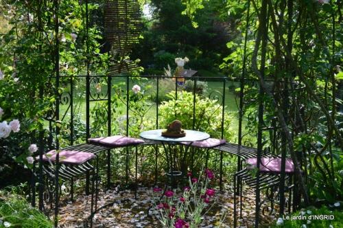 portes ouvertes,taille marguerittes,jardin 018.JPG