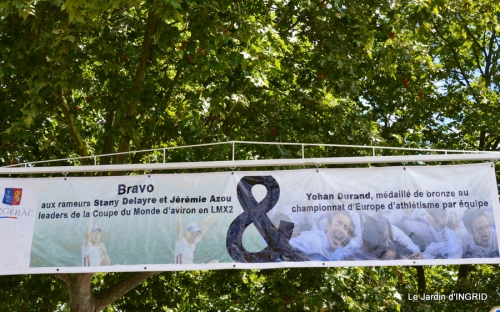 décos vélos Bergerac,Mne Peyrichou,tournesols,passerelle Lalinde 085.JPG