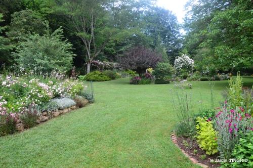 tour jardin de mai ,les épouvantails,préparation 042.JPG