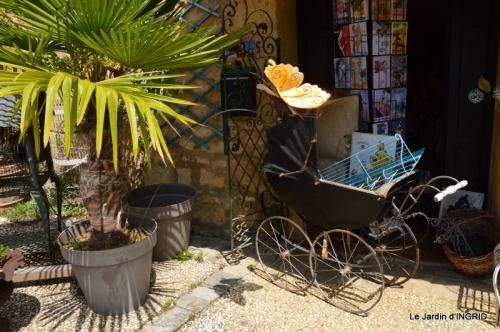 Cadouin,ancolies,roses,pollen,osier,photos Fabien,coquelicots 049.JPG