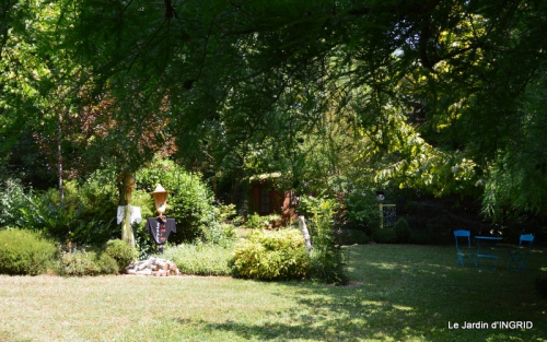 robe Julie,jardin,le flambé,lantanas,dahlias 021.JPG