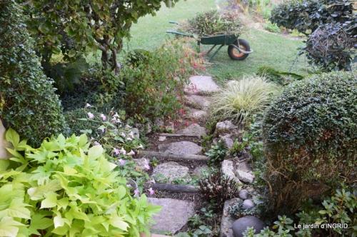 male ancienne,septembre jardin,couronne,bouquet 067.JPG