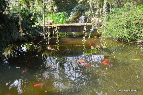 plans d'eau,jardin 041.JPG
