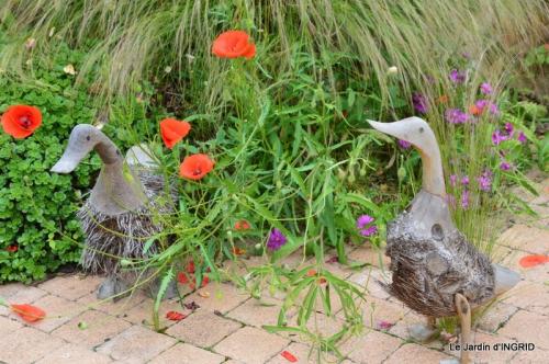 épouvantails ,jardin,roses 001-001.JPG