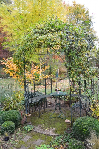 les arbres en automne,cabane 046.JPG