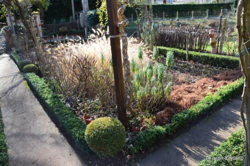 jardin en hiver,à Ciron 036.JPG