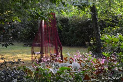 jardin en septembre,les cygnes 121.JPG