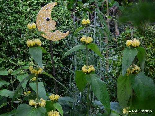 les roses,les 4 filles,jardin,Julie,coquelicots,cygnes 166.JPG