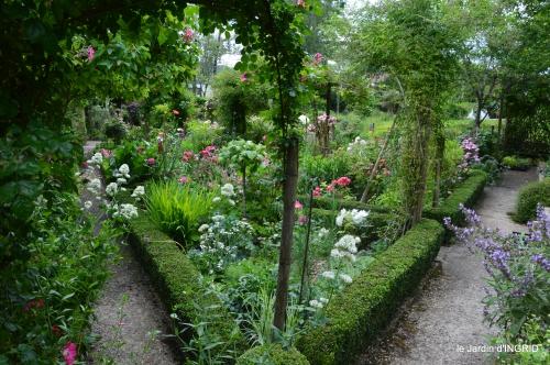 cygnes,Sophie,jardin en mai 074.JPG