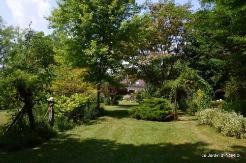 robe Julie,jardin,le flambé,lantanas,dahlias 031.JPG