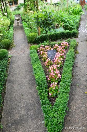 tableau,jardin,centre de table,les bégos,Cadouin,DALY,Mouleydier 135.JPG