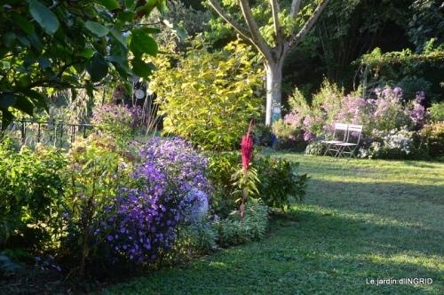 male ancienne,septembre jardin,couronne,bouquet 121.JPG