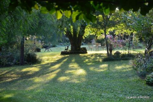 male ancienne,septembre jardin,couronne,bouquet 088.JPG