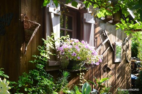 jardin,papillons,anniversaire d'Ines,bricolage 039.JPG