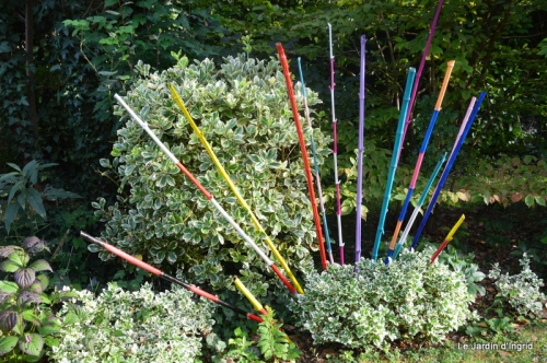 bouquet bleu,kakis,cage,Banes, jardin juillet 047.JPG