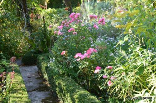 fleurs petit jardin,bouquets,grand jardin 065.JPG