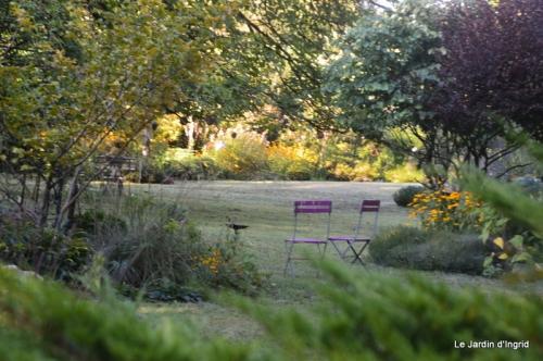 mon coin,Monique,les oies,mon jardin 021.JPG