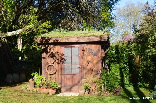 tour de jardin d'avril ,tonte 050.JPG