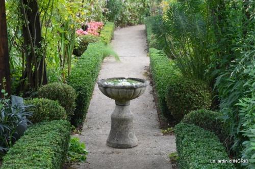 Cadouin,Lalinde chapelle,cascade,jardin,papillon 081.JPG