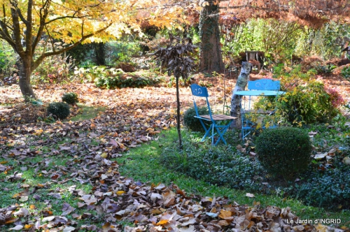 jardin, feuilles,sauges,gloriette,land art 046.JPG