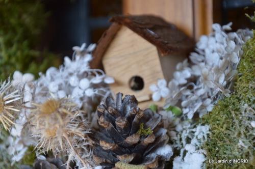 marché de Noel,décos extérieurs,couronnes,petits fruits 022.JPG