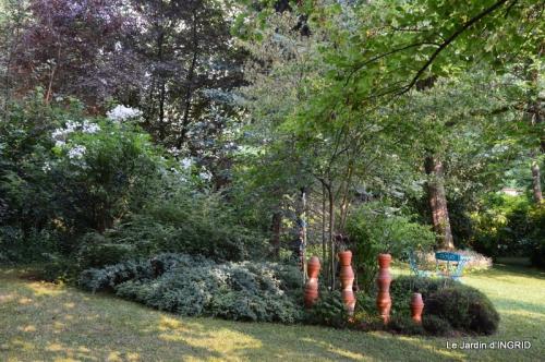 épouvantails ,jardin,roses 080.JPG
