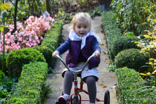 Julie,jardin, 018.JPG