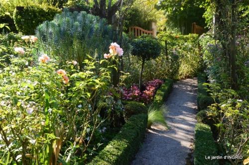 fleurs petit jardin,bouquets,grand jardin 066.JPG