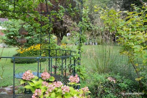 jardin,papillons,anniversaire d'Ines,bricolage 053.JPG
