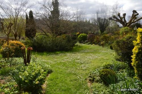 canal,jardin,dentelles 034.JPG
