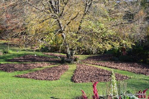 jardin, feuilles,sauges,gloriette,land art 099.JPG