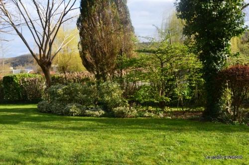 canal,jardin,dentelles 062.JPG