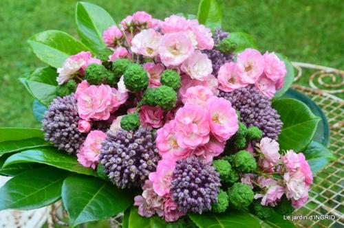 bouquet champêtre,jardin,hémérocalles,nénuphards 139.JPG