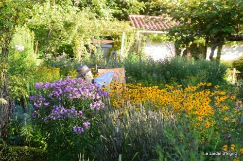 mon coin,Monique,les oies,mon jardin 069.JPG