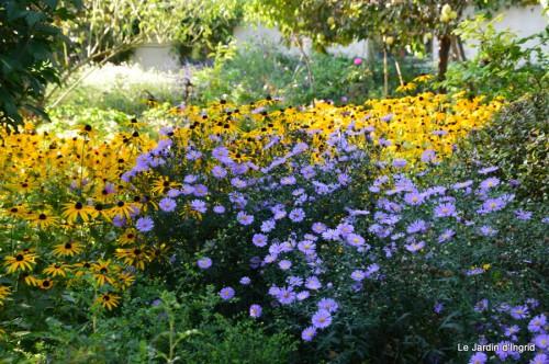 Lalinde passerelle,bouquet,jardin septembre 055.JPG