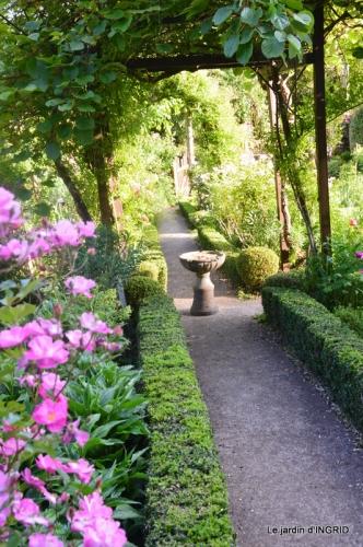jardin en mai,visites bus,petit jardin 128.JPG