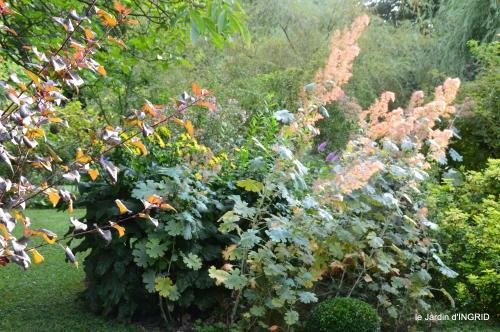 jardin,papillons,anniversaire d'Ines,bricolage 017.JPG