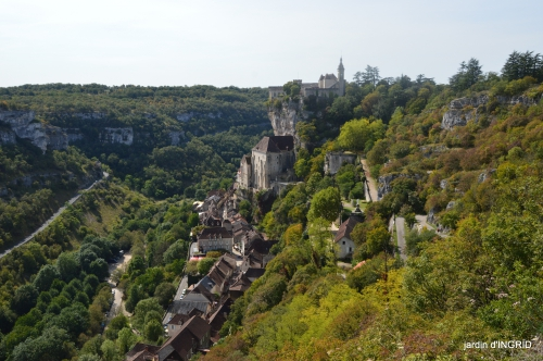Mongolfières à Rocamadour,Martel village 003.JPG
