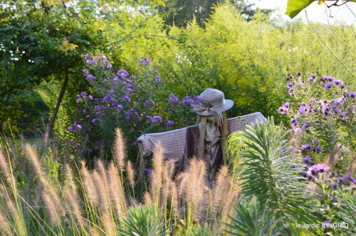 jardin en septembre,les cygnes 034.JPG