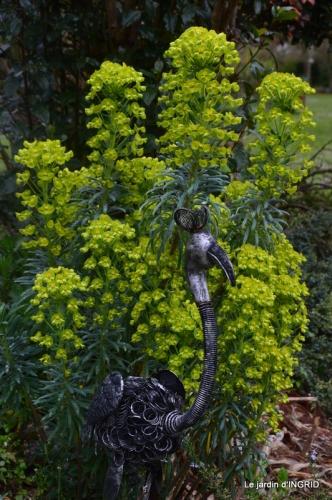 semis,bassin,tour du jardin 076.JPG