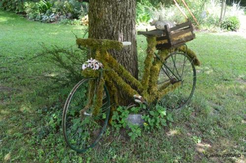 tour jardin de mai ,les épouvantails,préparation 128.JPG