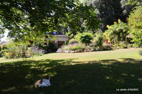 dahlias,jardin,puces st Avit Seigneur,Paniers Issigeac,Romane 028.JPG