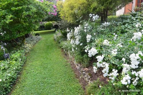 tour jardin de mai ,les épouvantails,préparation 048.JPG