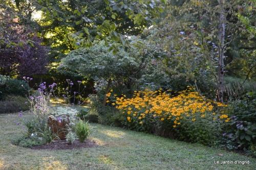mon coin,Monique,les oies,mon jardin 014.JPG