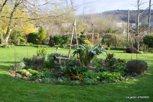 canal,jardin,dentelles 067.JPG
