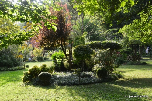 les Métallies,jardin ,visiteurs 091.JPG